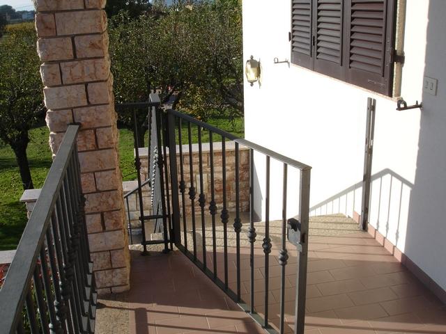 Grande cancelli per giardino in ferro fr49 pineglen for Cancelletto per cani da esterno